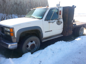 1998 gmc welding truck. 454 5spd 19.5 rubber
