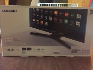 "BRAND NEW Samsung 40"" Smart TV"
