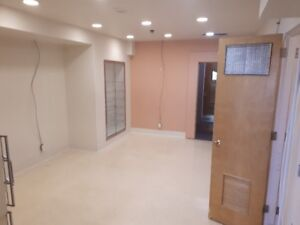 A219 - Office / Work Space - H/C Water Hook Ups - Avail NOW!