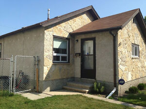 Beautiful House For Rent in Saint Vital Area