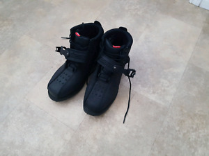 Icon motorcycle boots (mens size 9)