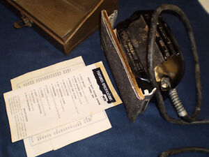 Wen Power Sander Model 404 with metal case and documentation