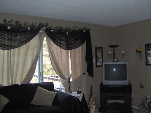 3 Bedroom Condo for Rent In Thickwood
