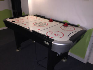 TABLE DE AIR HOCKEY À VENDRE