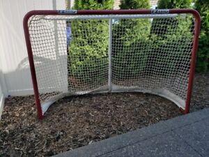 Hockey Nets | Buy or Sell Hockey Equipment in Red Deer | Kijiji