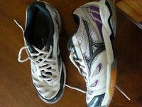 Ladies' Mizuno Volleyball Shoes