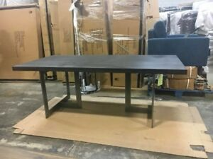 Gatsby Solid wood dining table with metal legs