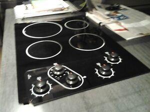 Plaque de Cuisson avec boutons - Cooktop with knobs