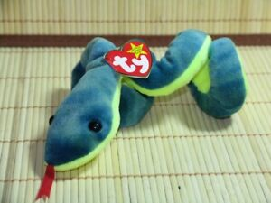 Brand New TY Beanie Baby *Hissy* the snake