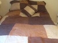 asking $25 for comforter and two pillow shams & little pillow