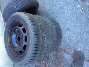 185 65 15 WINTER TIRES WITH RIMES  ASKING 120$