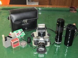 Vintage 70's Canon SLR  Camera Model FTB 1.4 Lens + 100-200 Zoom