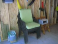 Patio table & 6 Chairs & Cushions