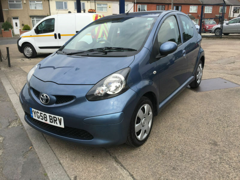 2008 toyota aygo 1 0 vvt i aygo blue 59 000 miles full history 20 road tax in bentley south. Black Bedroom Furniture Sets. Home Design Ideas