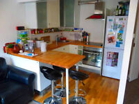 Marvelous 2 double bedroom 2 bathroom flat just off Caledonian Road in a quiet residential area!