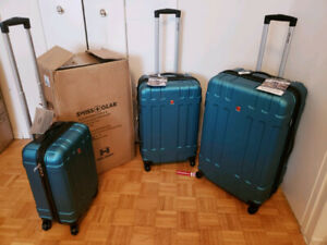 BNIB Swiss Gear Tyax 3-Piece Hard Side Luggage Set