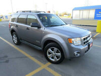 2008 Ford Escape XLT AWD,Leather,Sunroof, Auto,Lowkm, Certified,