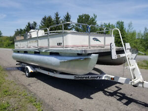 Southland 20 ft Pontoon Boat 25hp Johnson