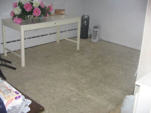 WOOL CARPET OFF-WHITE/TAPIS EN LAINE