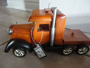 Brand new in box decorative wooden large truck storage London Ontario image 8
