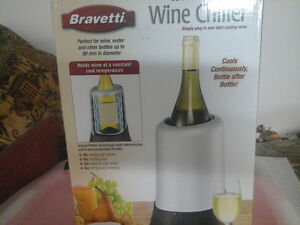Wine chiller and 6 plastic strong wine glasses