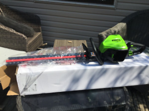 "60V  24"" Hedge Trimmer (battery not included)"