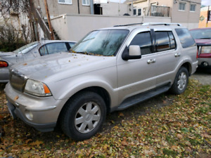 2005 Lincoln Aviator Needs motor AS IS