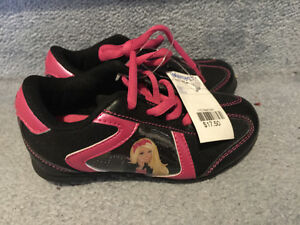 BNWT - New girl running shoes size 9 light weight