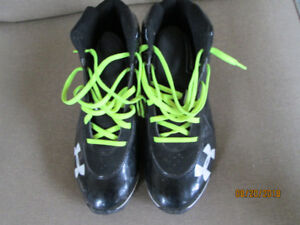 Men's Under Armour Football Shoes - NEW