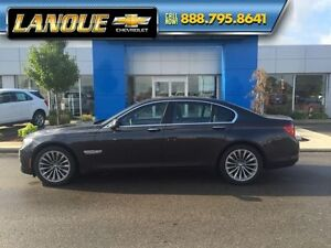 2012 BMW 7 Series 750i   WOW... LOW KMS!!  BEAUTIFUL CAR Windsor Region Ontario image 3