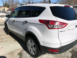 Selling our ford Escape2014. We're moving and we can only take o