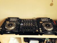 Pioneer CDJ 2000 Nexus (Pair) and DJM 800 Mixer