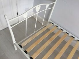 Single bed frame in white with hearts
