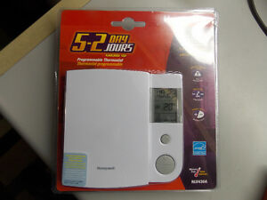 HONEYWELL PROGRAMMABLE THERMOSTAT FOR ELECTRIC HEAT (NEW)