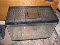 20 gal aquarium with locking lid for reptile or rodent