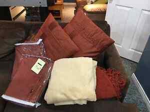 Matching drapes/pillows/blanket