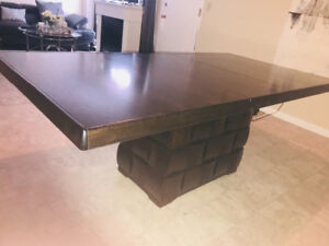 WOOD HIGH QUALITY DINING TABLE