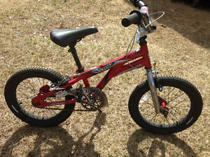 "16"" Boys Schwinn Scorch Bike Red"