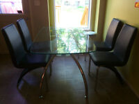 Excellent Six Pieces modern dining table and sets