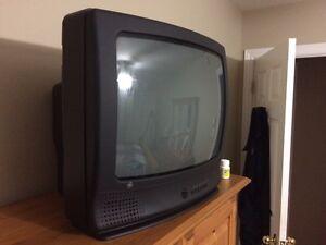 """24"""" GE TV"""