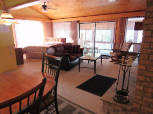 $189/night Wknd rate Hot Tub Chalet 4C for two wood fireplace