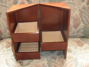 Stand-Up Wooded Jewelry Box