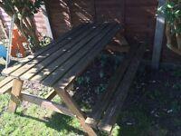 Garden bench / picnic table
