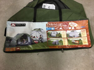 Tente et équipement  / Tent with camping gear