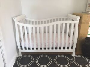 Various baby items (crib, bassinet, change table, jolly jumper