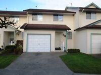 Townhouse-3 bed/ 2 bath/family-friendly complex/clubhouse/tennis