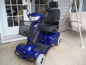 Scooter Invacare ** Just like new ** Delivery Included **