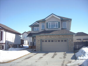 BEAUTIFUL UPGRADED HOME CUL-DE-SAC LOCATION - BEAUMONT