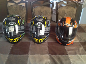 3 casques Full Face