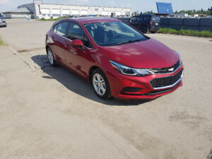 2017 Chevrolet Cruze LT Hatch, auto, back up cam, ONLY 8000 km.